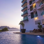 Adya Hotel