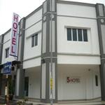 Five Hotel